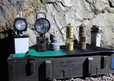 stare-lampy-gornicze-kopalnia-uranu